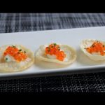 """Caviar """"Fish & Chips"""" – Oscars Night Hors D'oeuvre feat. Trout Roe on Potato Crisps"""
